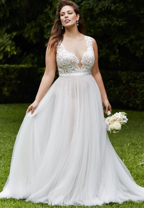 prettiest 8 plus size summer wedding dresses