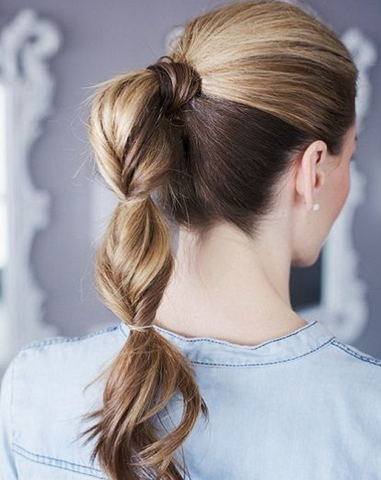 easy topsi tail pony summer hairstyle
