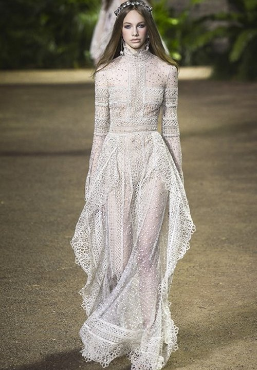 18 romantic bomemian chic summer wedding dresses for the for Modern long sleeve wedding dresses