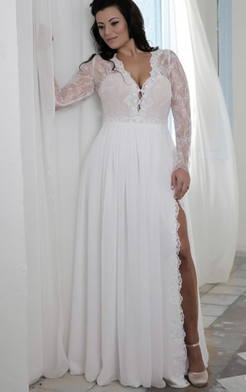 Prettiest 8 plus size summer wedding dresses for Plus size long sleeve wedding dresses