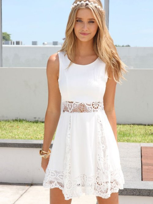 f8692e04c35c 5 Cute   Flirty Short Summer Dresses for Juniors