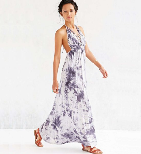 8 Sexy Halter Long Dresses For Your Summer Holiday